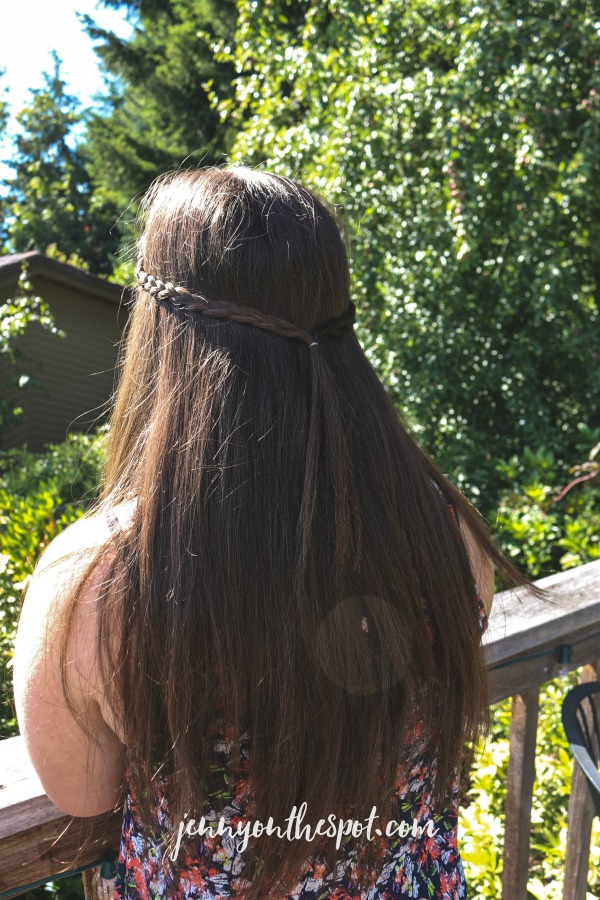 Summer Solutions: Six Easy Summer Hair Tricks via @jennyonthespot